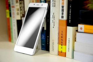 leagoo-m5-plus-smartphone-is-now-available-on-aliexpress-com-for-79-99