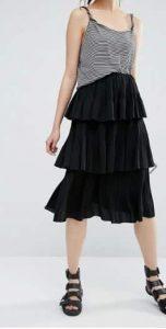 חצאית קומות שחורה אסוס