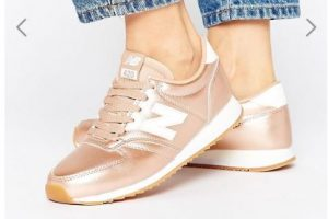 New Balance 420 Trainers In Rose Gold