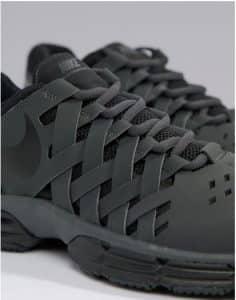 נעלי נייק מיוחדות לגברים
