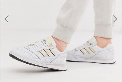 נעלי ספורט נשים ונערות אדידס במבצע