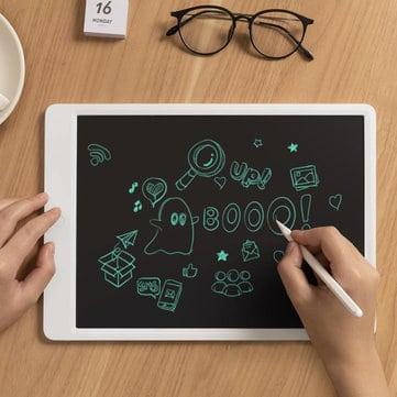 גמרו את כל הדפים בבית? קנו להם Xiaomi Mijia Blackboard לוח ציור אלקטרוני (בשני גדלים) מבית שיאומי רק ב$14.99-$22.71