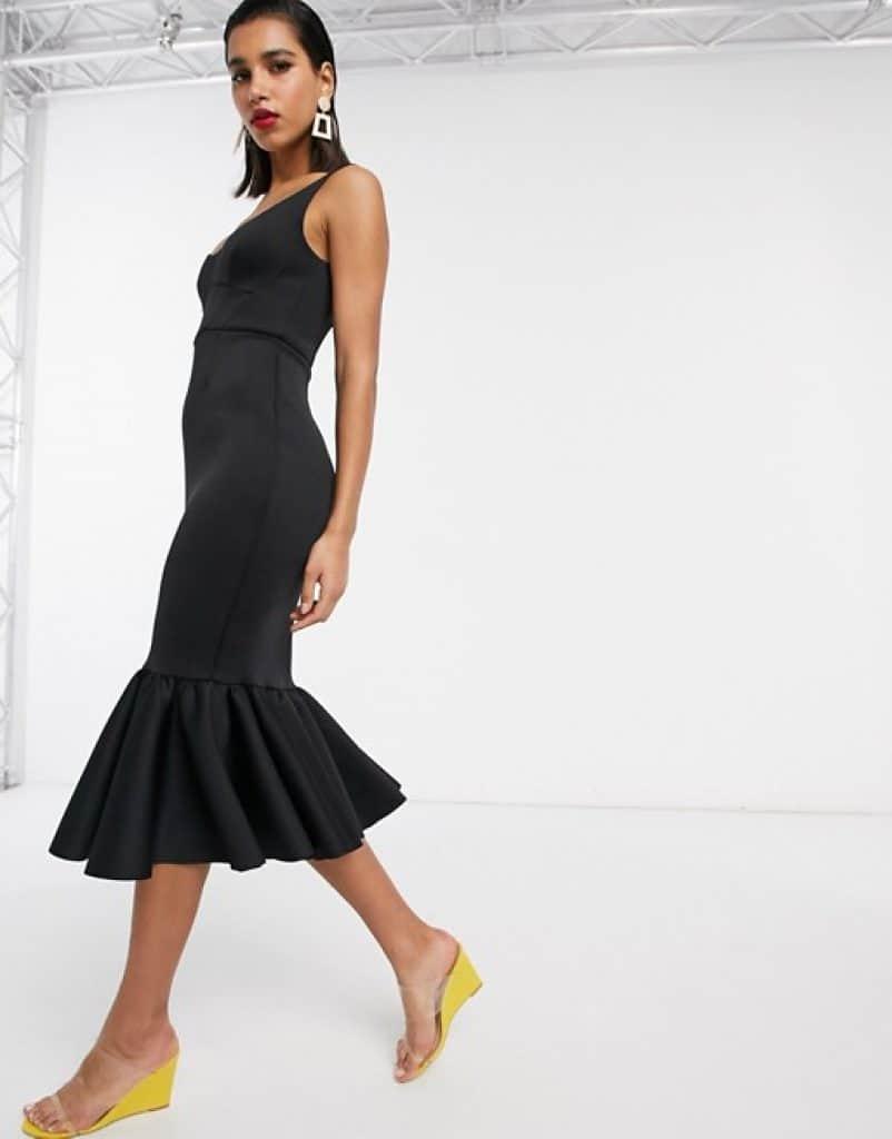 שמלה שחורה גזרת מחוך במחיר מצחיק ASOS